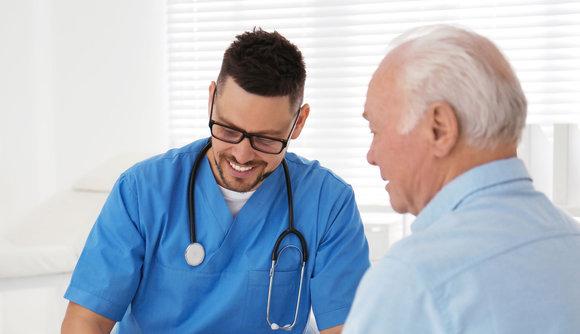 Sjukvård för pensionär i Spanien